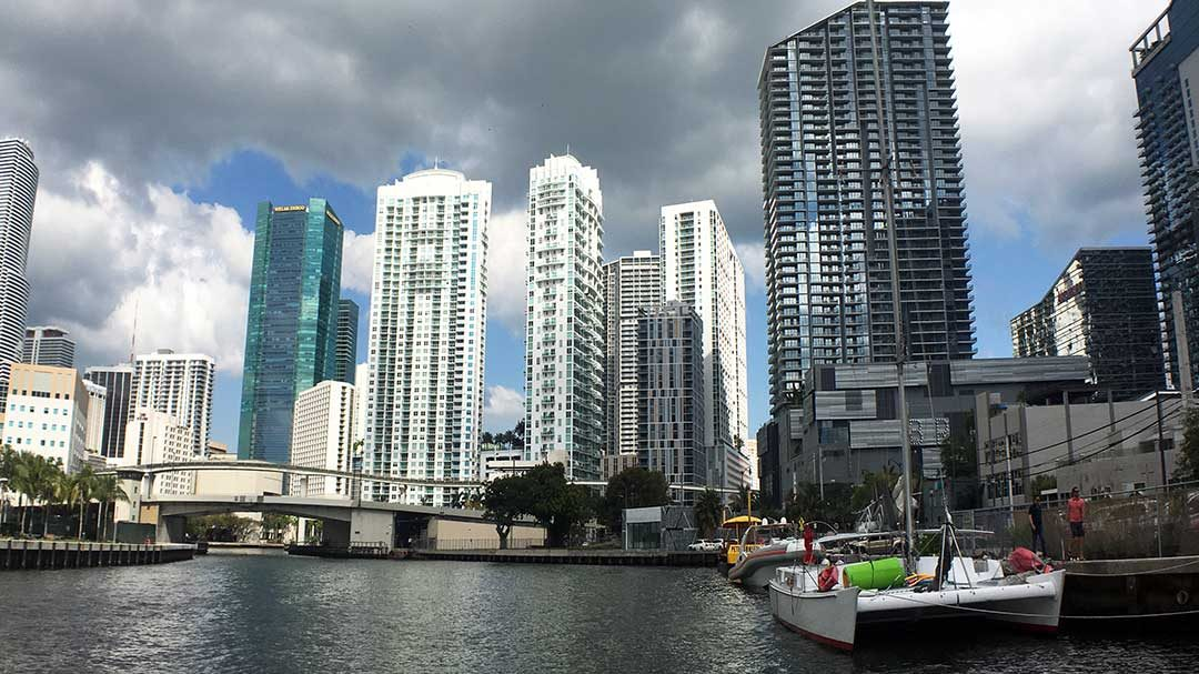 Take a Private Yacht Charter in Miami